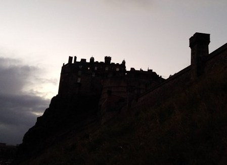 Silhouette of the Edinburgh Castle on the Mound