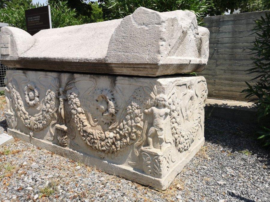 Whitened stone memorial